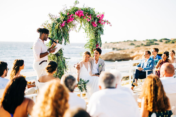 summer-destination-wedding-antiparos-fuchsia-boungainvilea_23