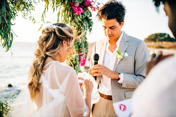 summer-destination-wedding-antiparos-fuchsia-boungainvilea_28