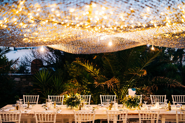 summer-destination-wedding-antiparos-fuchsia-boungainvilea_36