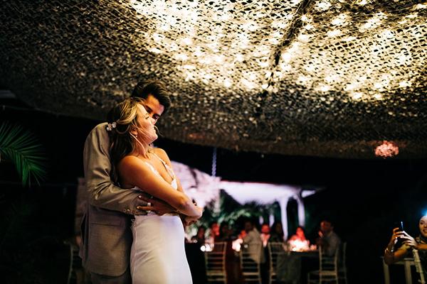 summer-destination-wedding-antiparos-fuchsia-boungainvilea_40