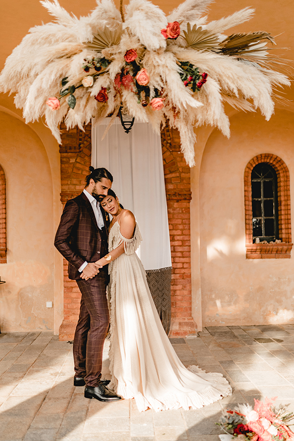 bohemian-chic-wedding-inspiration-athens-most-stunning-details_01x