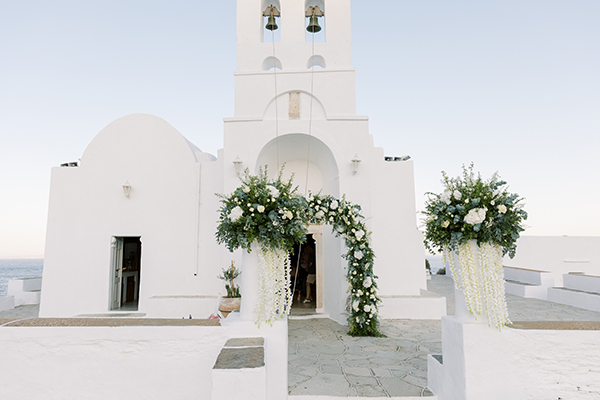 luxurious-summer-wedding-sifnos-romantic-blossoms-white-hues_20