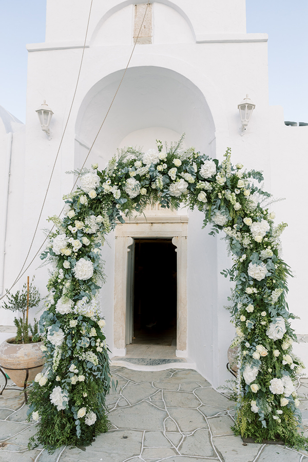 luxurious-summer-wedding-sifnos-romantic-blossoms-white-hues_20x