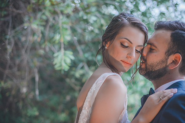 romantic-summer-wedding-athens-peonies-gerberas_02
