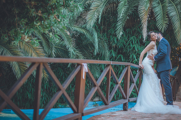 romantic-summer-wedding-athens-peonies-gerberas_04
