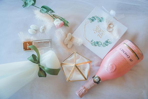 romantic-summer-wedding-athens-peonies-gerberas_05
