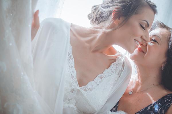 romantic-summer-wedding-athens-peonies-gerberas_08