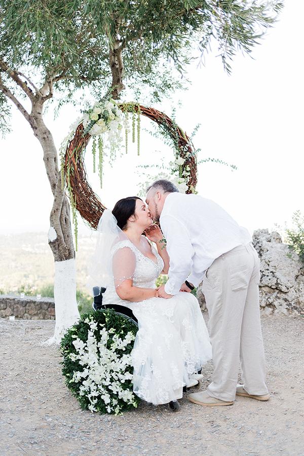 romantic-summer-wedding-corfu-emotional-moments_02