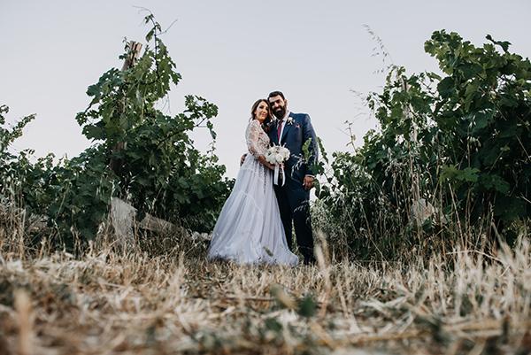 al-fresco-summer-wedding-athens-white-blooms-romantic-details_01