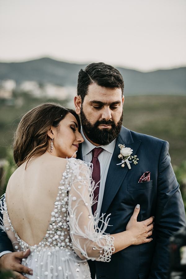 al-fresco-summer-wedding-athens-white-blooms-romantic-details_04