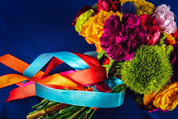 colorful-styled-shoot-with-modern-flair_03x