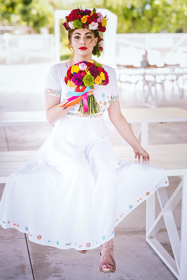colorful-styled-shoot-with-modern-flair_06
