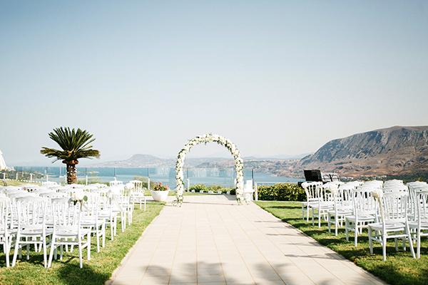 destination-wedding-crete-stunningly-beautiful-florals_11