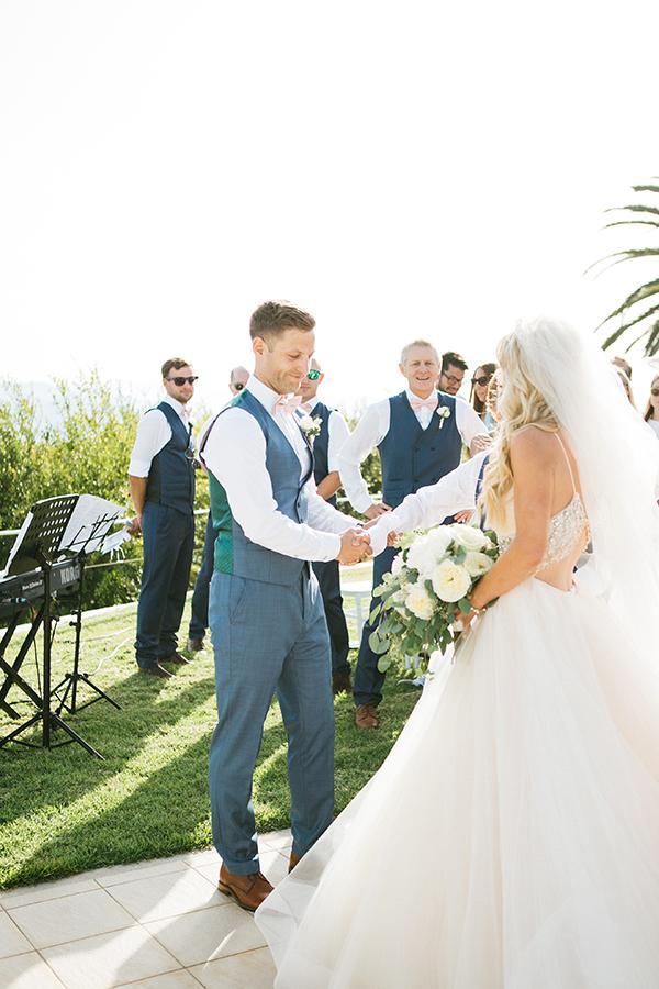 destination-wedding-crete-stunningly-beautiful-florals_15