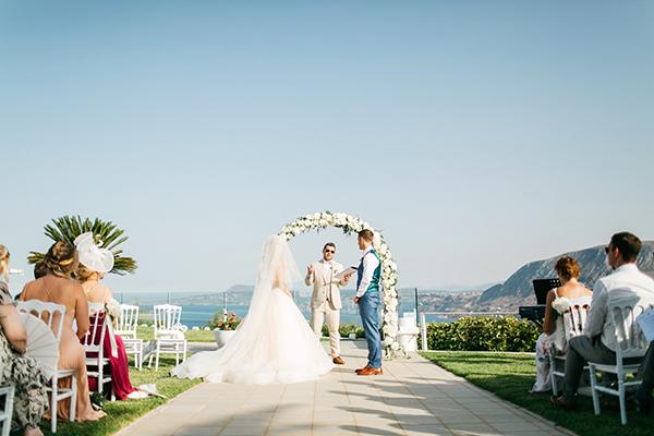 destination-wedding-crete-stunningly-beautiful-florals_16