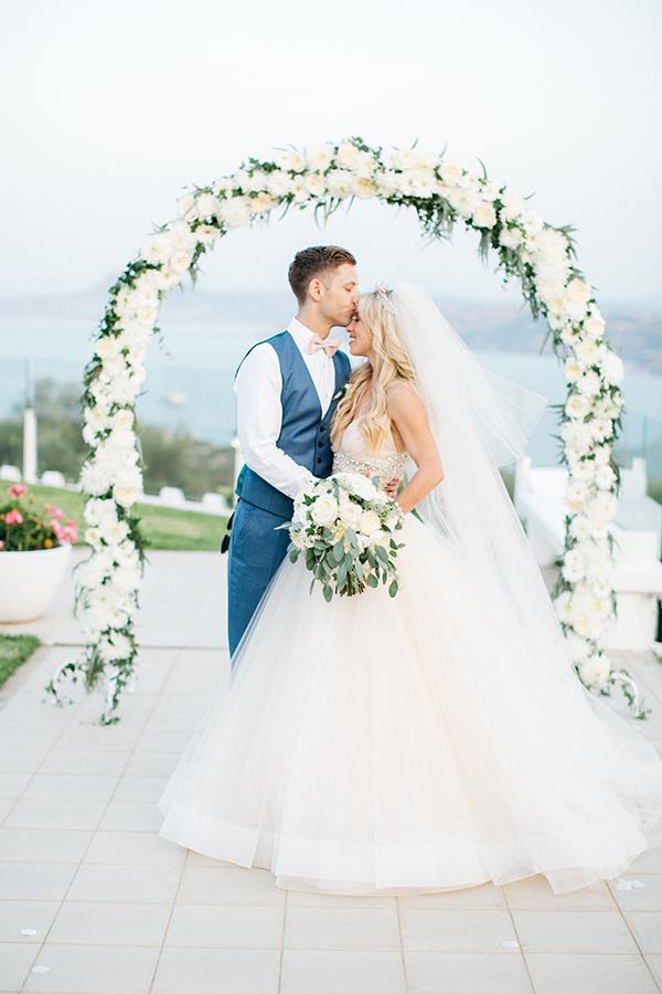 destination-wedding-crete-stunningly-beautiful-florals_23