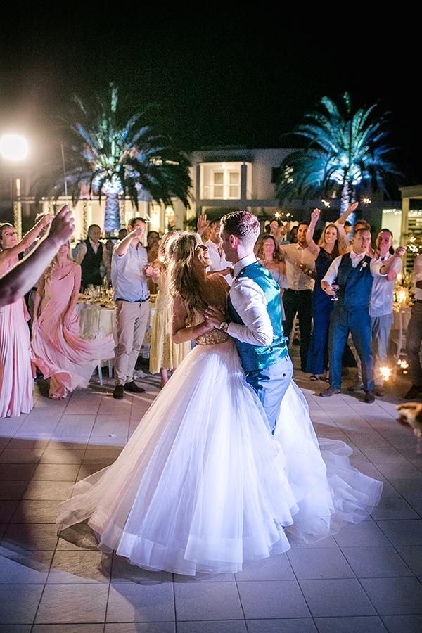 destination-wedding-crete-stunningly-beautiful-florals_30