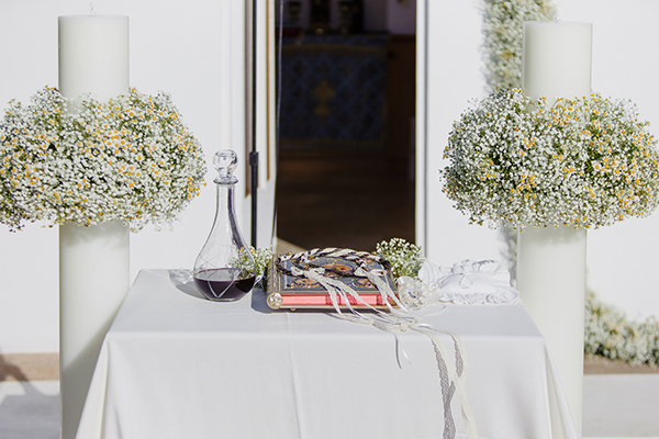 romantic-summer-wedding-athens-lovely-flowers_10