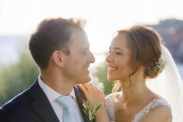 romantic-summer-wedding-athens-lovely-flowers_17