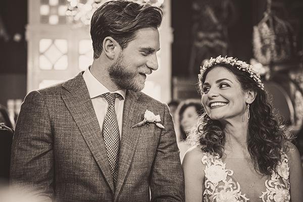 summer-romantic-wedding-santorini-white-peonies-roses_13