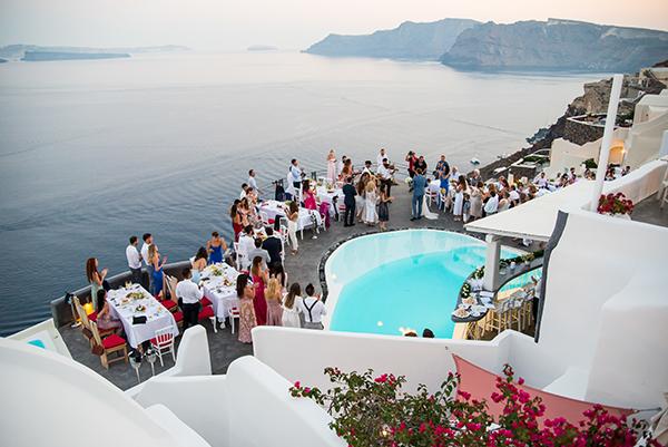 summer-romantic-wedding-santorini-white-peonies-roses_20