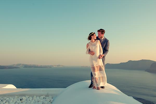 summer-romantic-wedding-santorini-white-peonies-roses_22