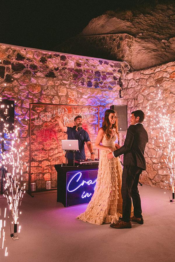 elegant-wedding-inspiration-soft-hot-pinks-santorini_39