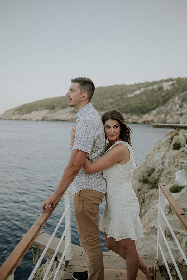 engagement-photoshoot-breathtaking-view-zakynthos-island_01x