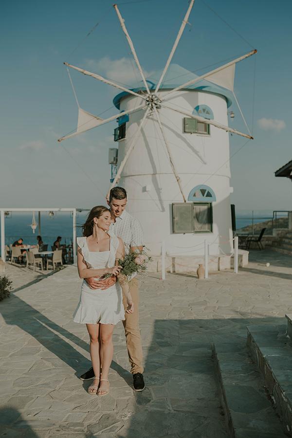 engagement-photoshoot-breathtaking-view-zakynthos-island_08