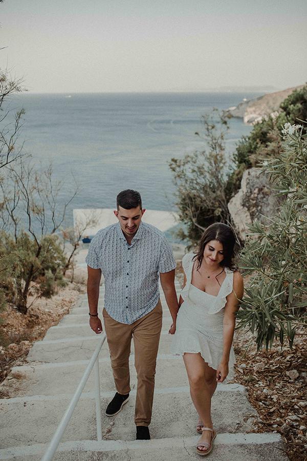 engagement-photoshoot-breathtaking-view-zakynthos-island_08x