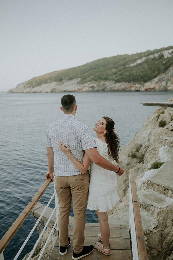 engagement-photoshoot-breathtaking-view-zakynthos-island_12
