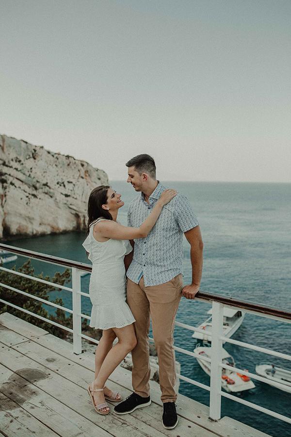 engagement-photoshoot-breathtaking-view-zakynthos-island_13