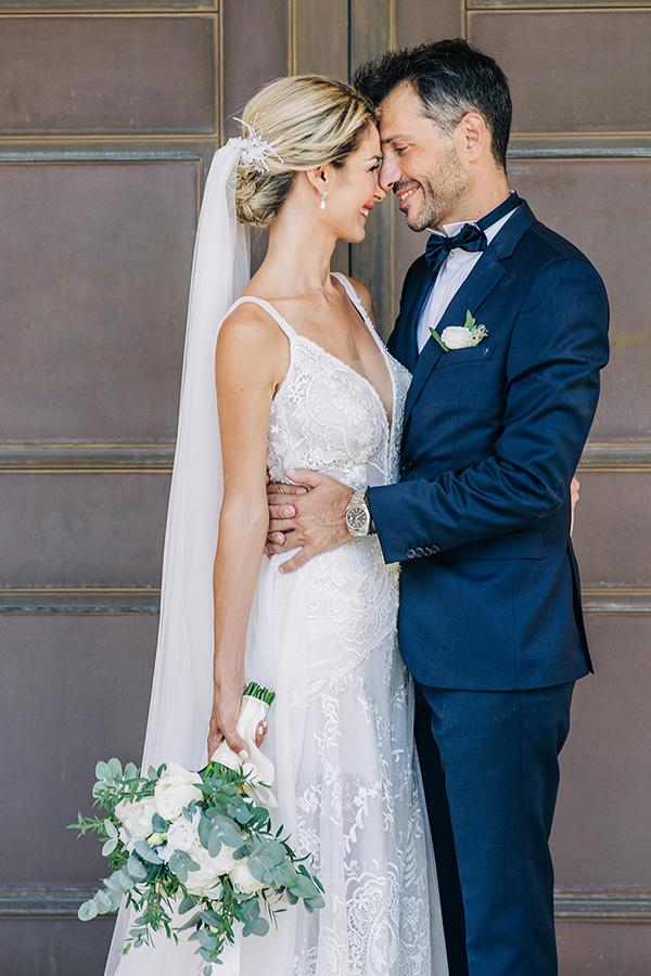 gorgeous-summer-wedding-athens-white-blooms-lush-greenery_01