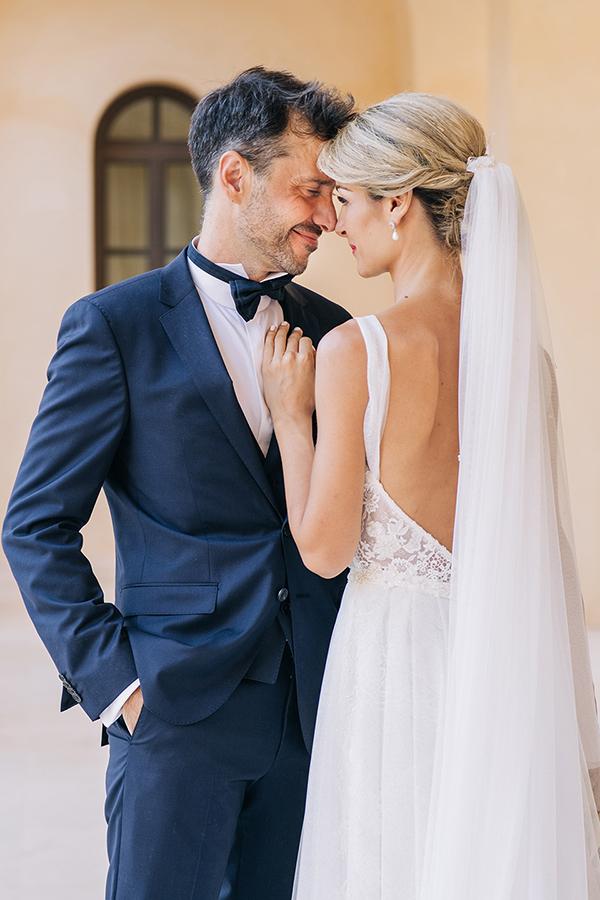 gorgeous-summer-wedding-athens-white-blooms-lush-greenery_03