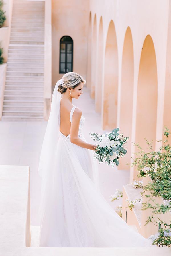 gorgeous-summer-wedding-athens-white-blooms-lush-greenery_04