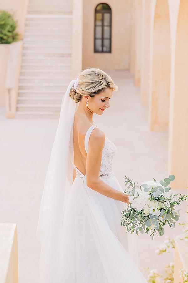 gorgeous-summer-wedding-athens-white-blooms-lush-greenery_05