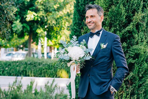 gorgeous-summer-wedding-athens-white-blooms-lush-greenery_16