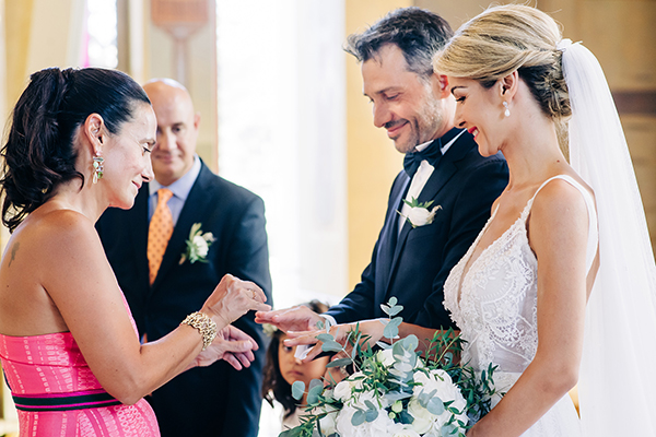 gorgeous-summer-wedding-athens-white-blooms-lush-greenery_22