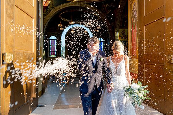 gorgeous-summer-wedding-athens-white-blooms-lush-greenery_26